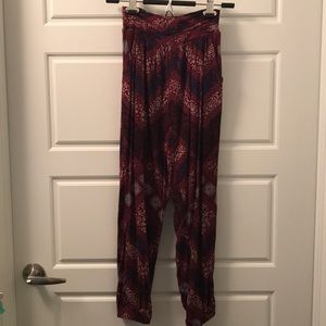 American Eagle Patterned Joggers - XS